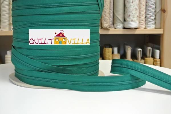 Endlosreißverschluss von YKK - grün - Spiralbreite 3 mm