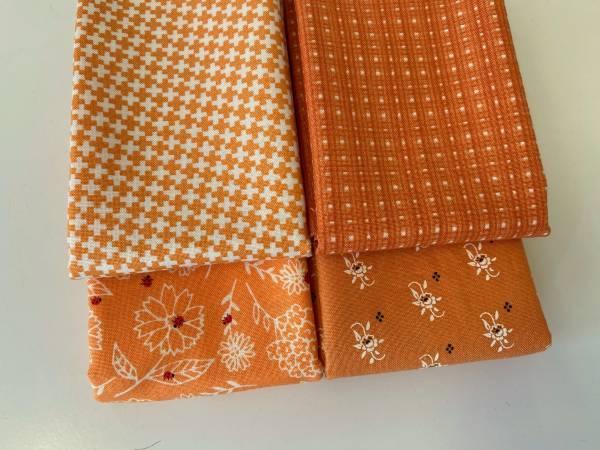 Stoffpäckchen - orange - 4 Fat Quarter je ca. 50 x 55 cm