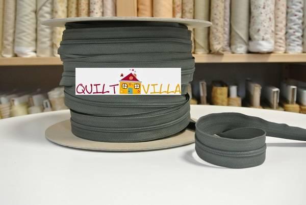 Endlosreißverschluss von YKK - olivgrün - Spiralbreite 3 mm