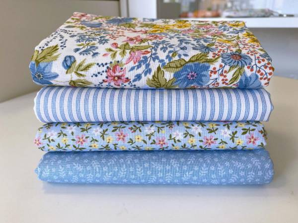 Stoffpäckchen - Mayflower - hellblau - 4 Fat Quarter je 50 x 55 cm