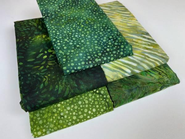 Stoffpäckchen - Batik - grün - 5 Fat Quarter je 50 x 55 cm